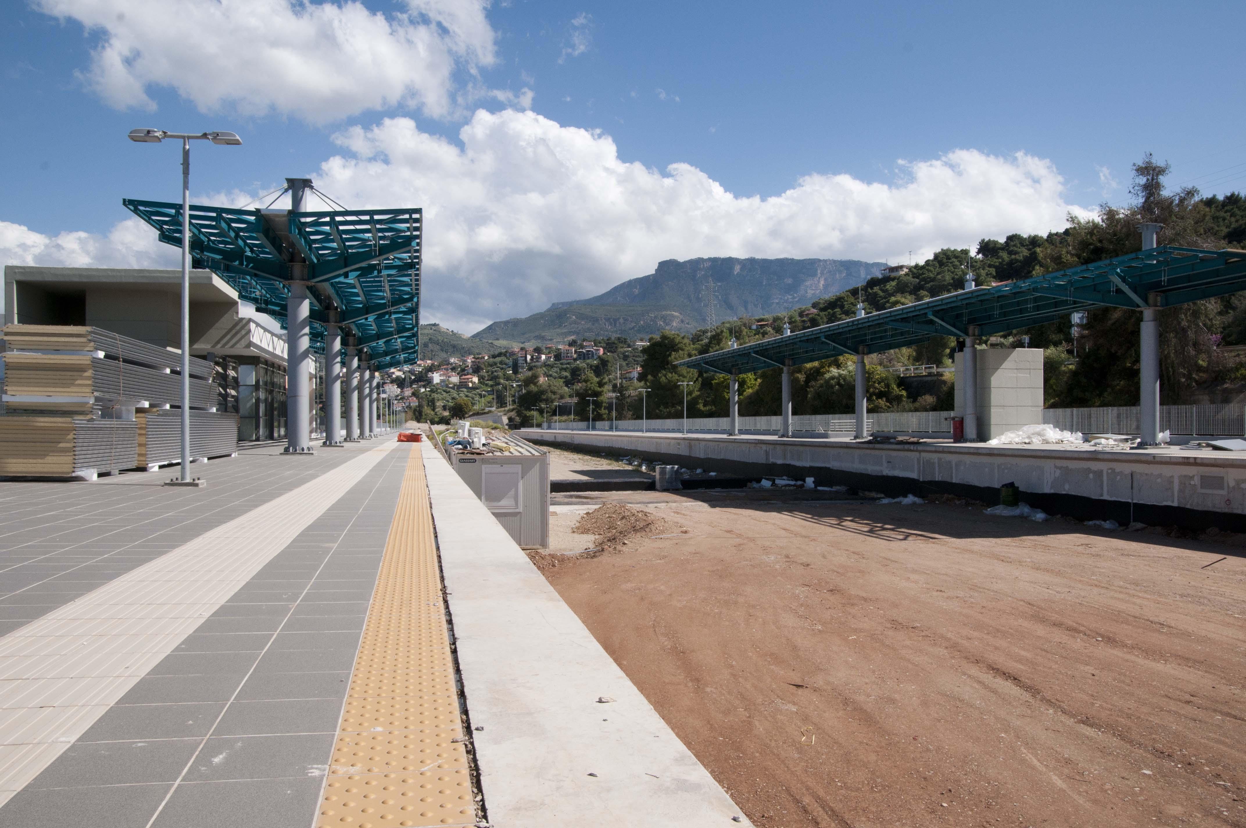 Σιδηροδρομικός σταθμός Ακράτας