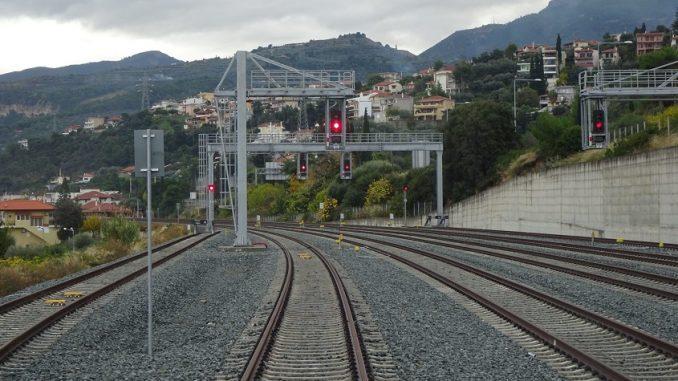 Αποτέλεσμα εικόνας για σιδηροδρομοσ προαστιακόσ σταθμοσ λυγιασ
